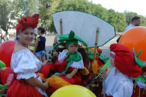 Участники карнавала.